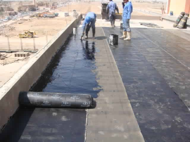 عزل اسطح بمواد كويتية